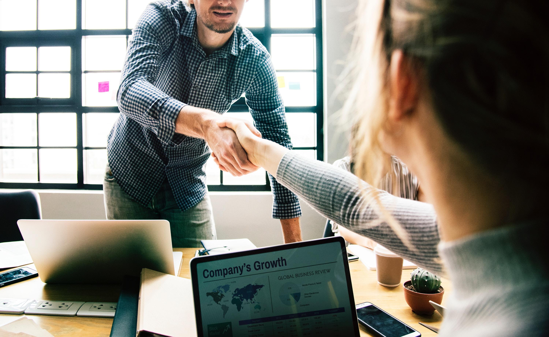 B2B-Vertrieb vs. B2B-Marketing:  Drei Gründe, warum es oft an gegenseitigem Verständnis mangelt